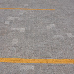 Pavimento permeável é recomendável para estacionamentos, pátios e ruas de tráfego leve.