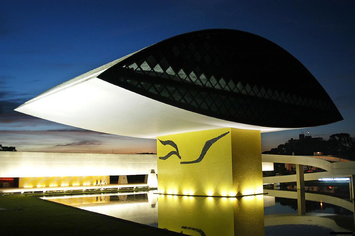 Museu do Olho: construído em seis meses, consumiu 5.226 m³ de concreto.