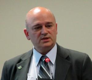 Edson Peev, do CBT: projetos futuros de rodovias não podem mais descartar os túneis.