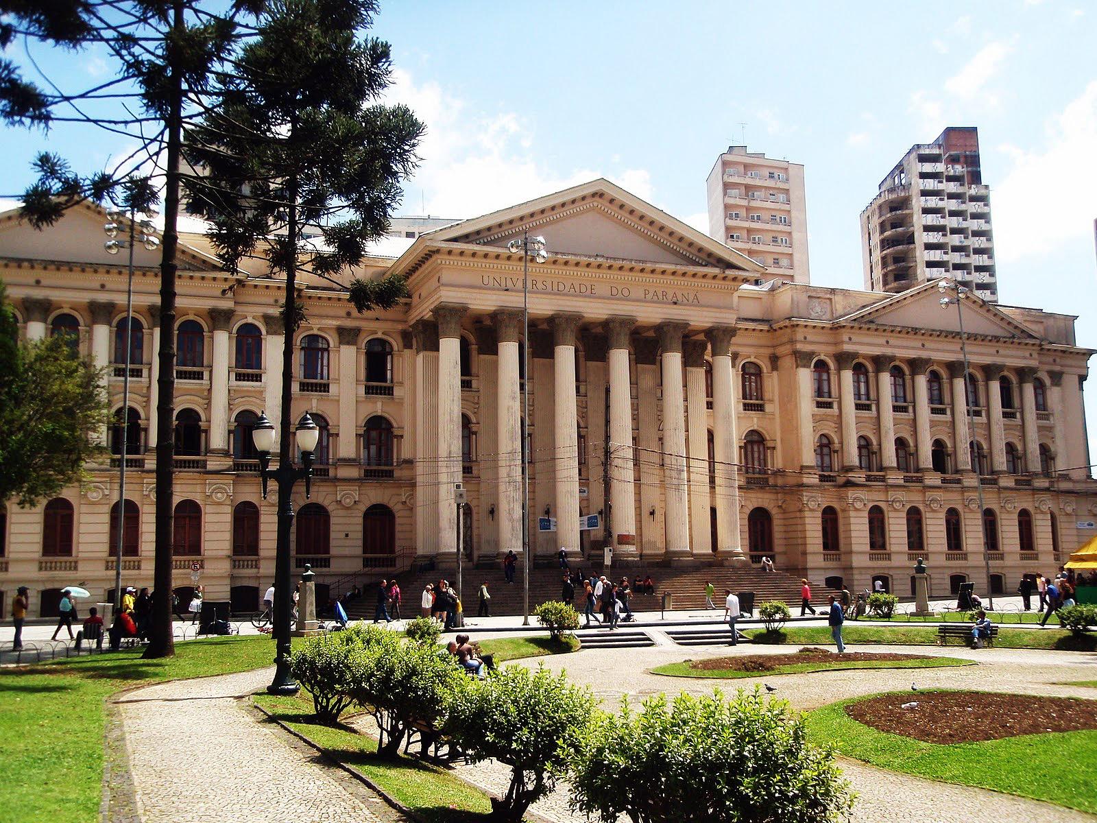 Prédio histórico da UFPR, em Curitiba: o primeiro a abrigar o centenário curso de engenharia civil.