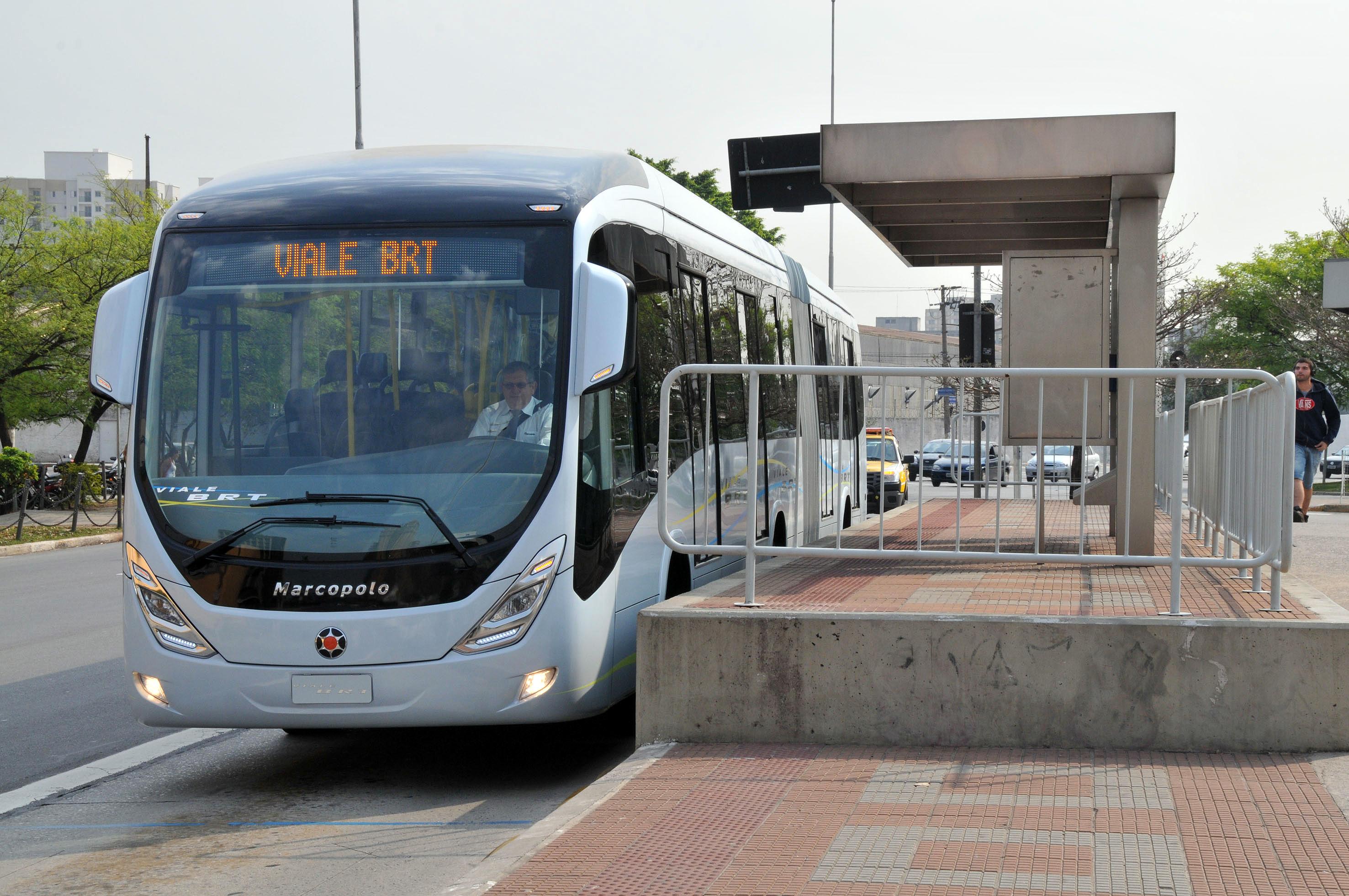 BRT de Sorocaba, no interior de São Paulo: uma das cidades de médio porte que aderiu ao pavimento de concreto.
