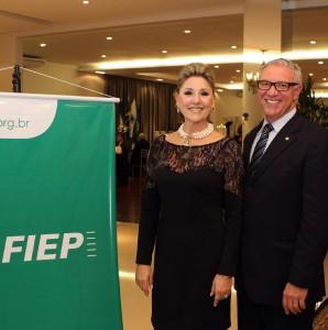 Indianara Milléo, junto com o presidente da Fiep, Edson Campagnolo: IST de Ponta Grossa será referência para o sul do país.