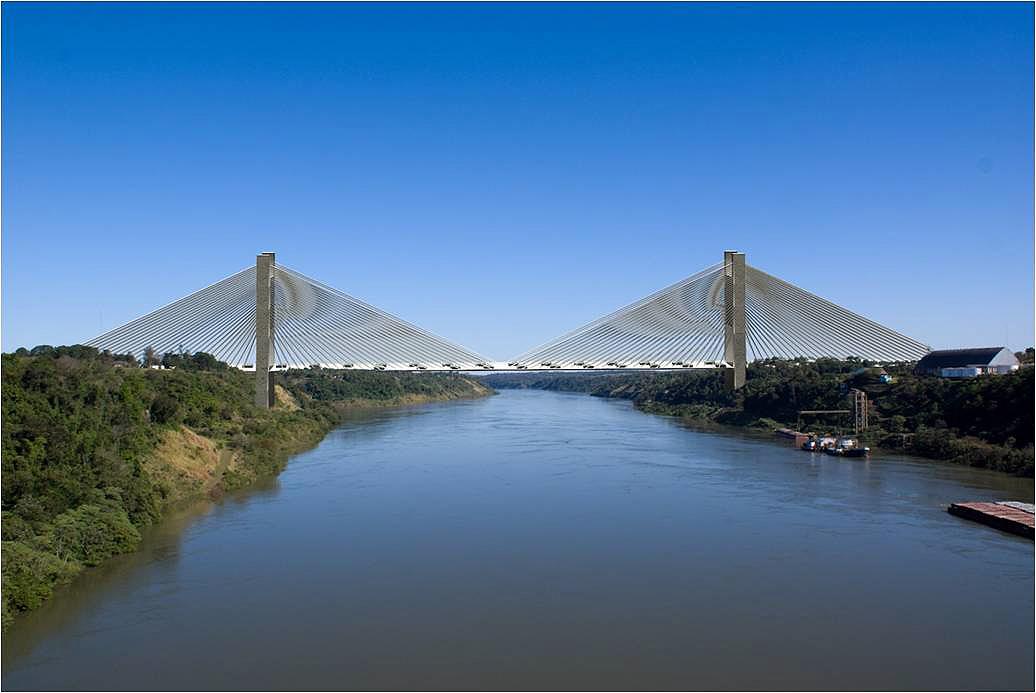 Ponte será construída em concreto protendido e receberá pavimento asfáltico.