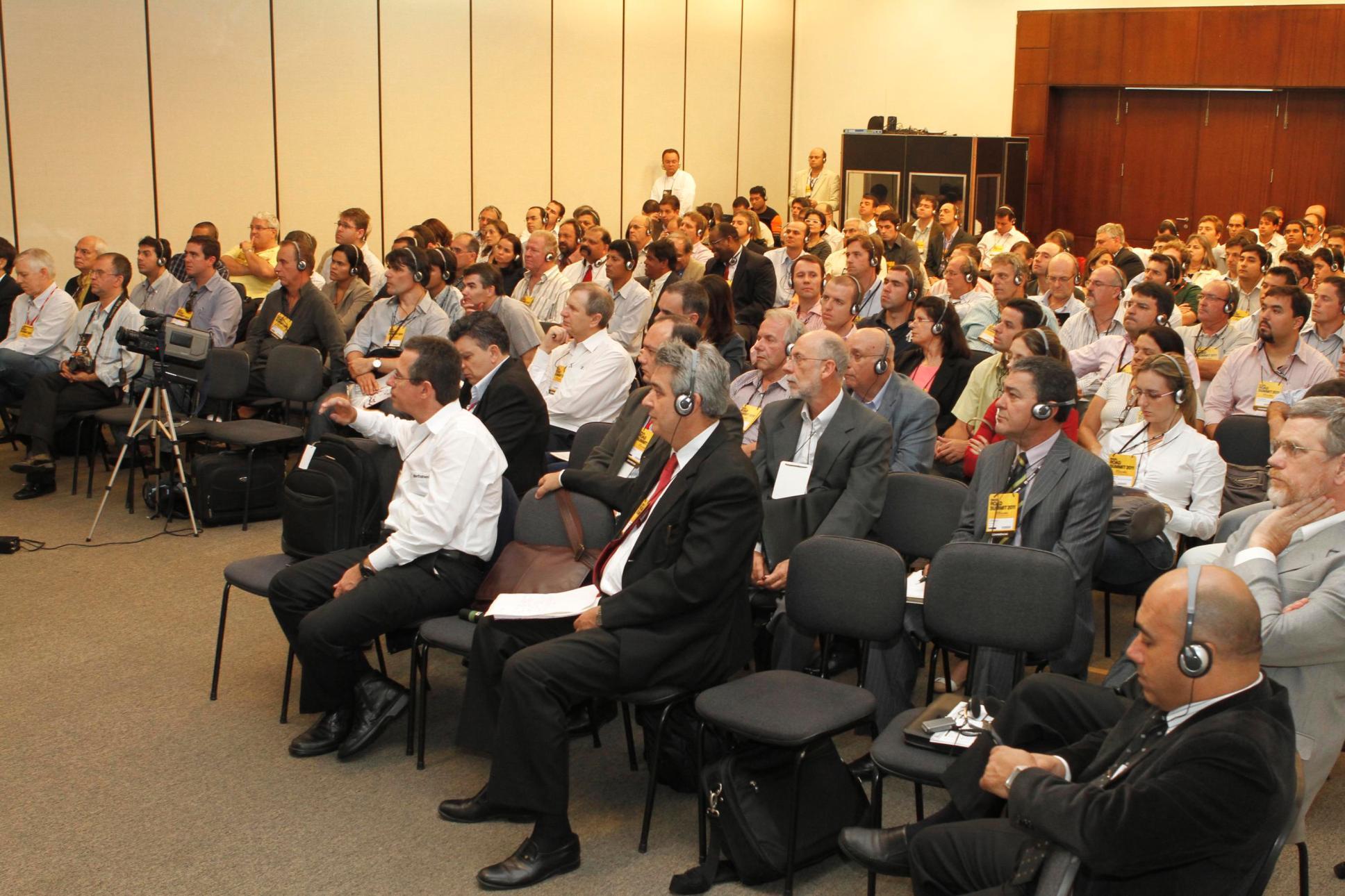 Brazil Road Expo: entre feira e seminários, evento deve atrair 12 mil especialistas em construção de rodovias.