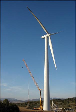 Torres de concreto permitem que alcancem alturas superiores a 100 metros.
