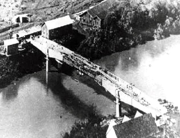 Construída por Emilio H. Baumgart, ponte sobre o rio do Peixe durou 53 anos.