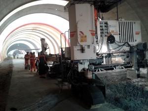 Trechos de duplicação das BRs 163 e 364 recebem pavimento de concreto no Mato Grosso.