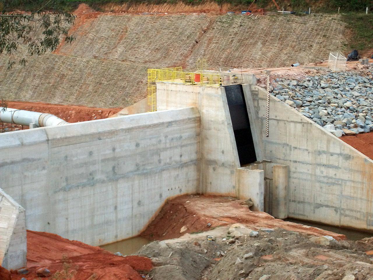 PCH em construção em Minas Gerais: há poucos projetos em andamento.