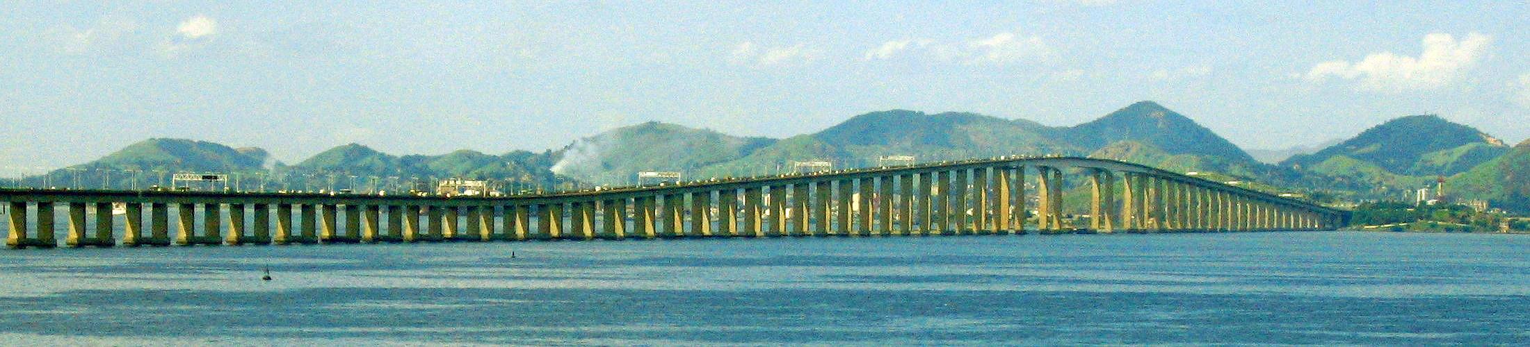Ponte Rio-Niterói: exemplo emblemático de estruturas de concreto resistentes às reações químicas e físicas impostas pelo mar.