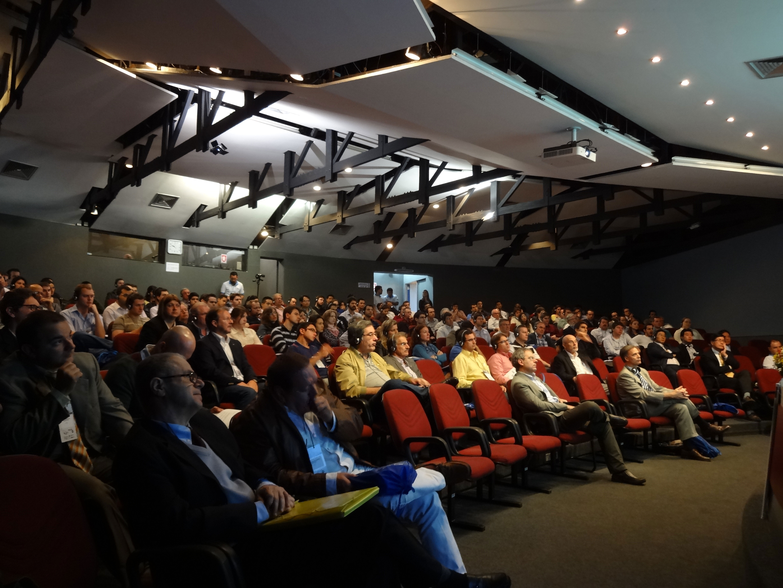 Encontro realizado em São Carlos-SP reuniu algumas das sumidades mundiais em concreto pré-fabricado.