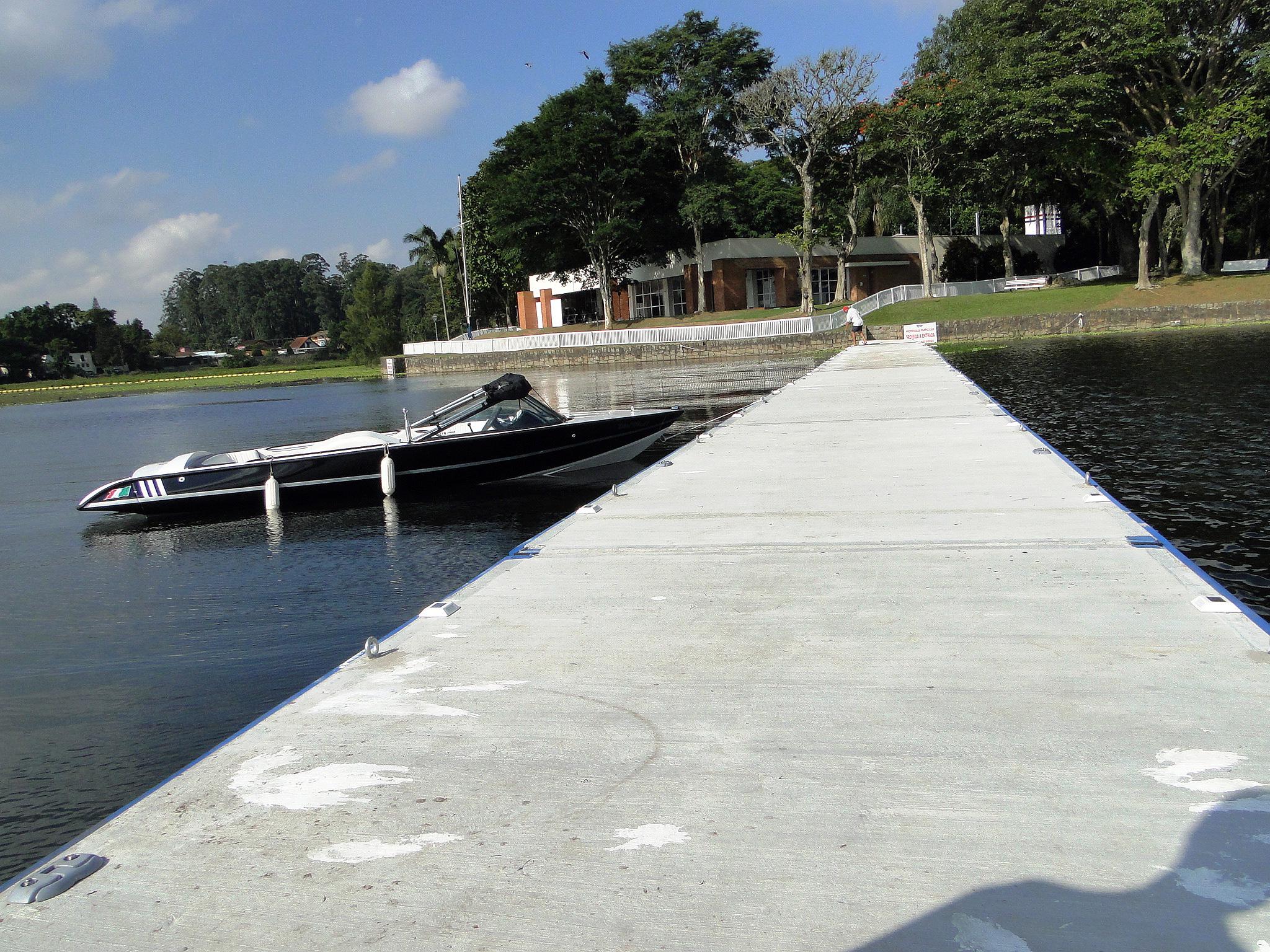 Píer de concreto: flutuantes em concreto/EPS têm durabilidade superior a 30 anos