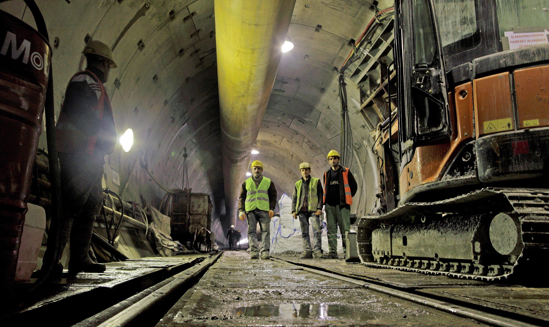 Túnel imerso de Marmaray: cruzando o Estreito de Bósforo, obra atinge profundidade de 56 metros