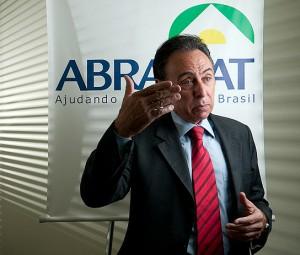 Walter Cover: setores imobiliário e de infraestrutura desaceleraram, mas o de reformas de casas sustentou o crescimento em 2013