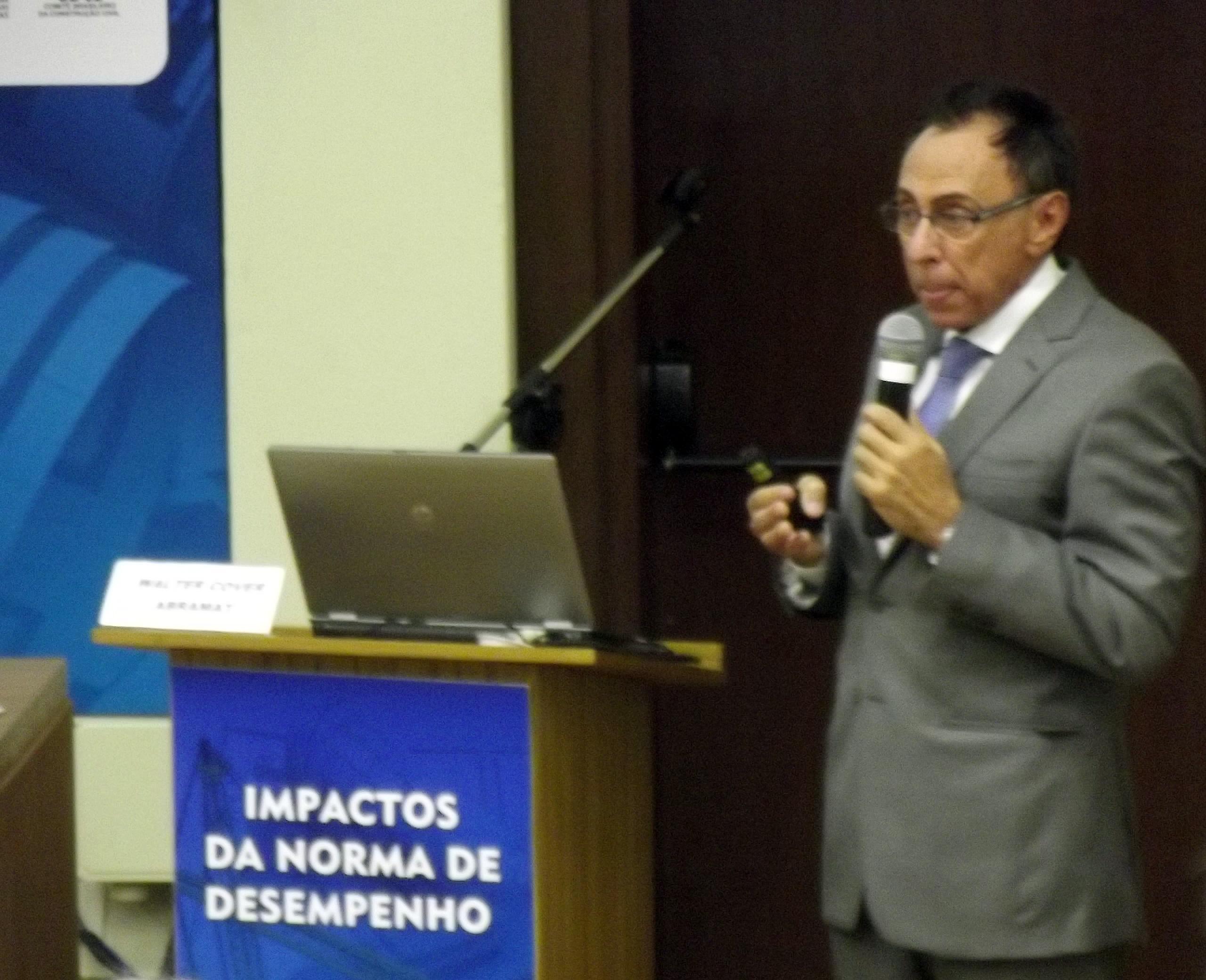 Walter Cover: equipamentos que vêm de fora terão que comprovar cumprimento das normas brasileiras
