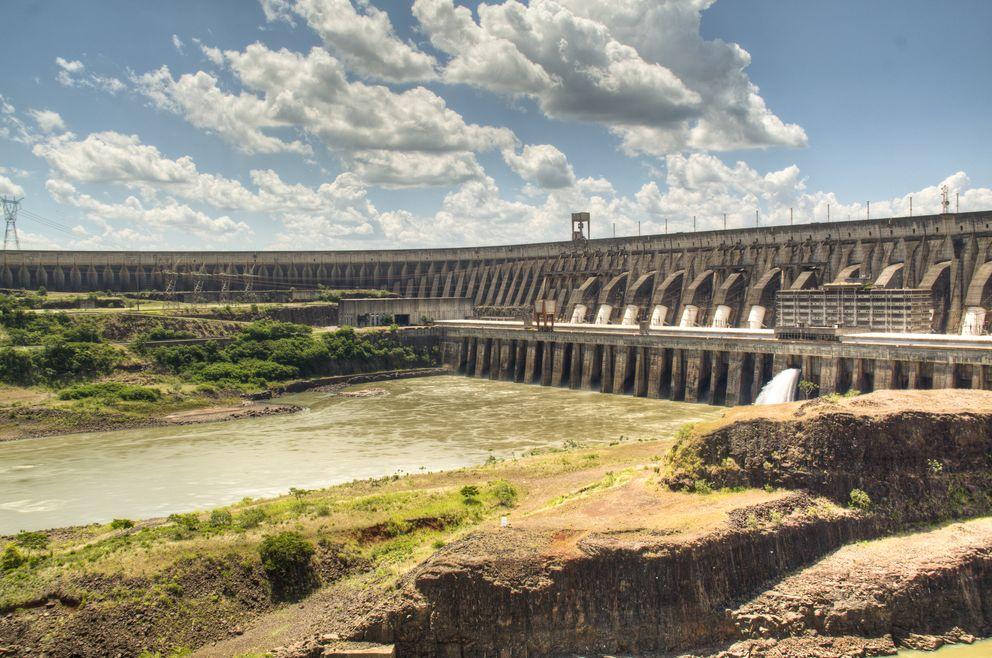 Hidrelétrica de Itaipu, cenário do 1º CBPAT: obra coincidiu com primeiros estudos sobre patologia das construções no Brasil