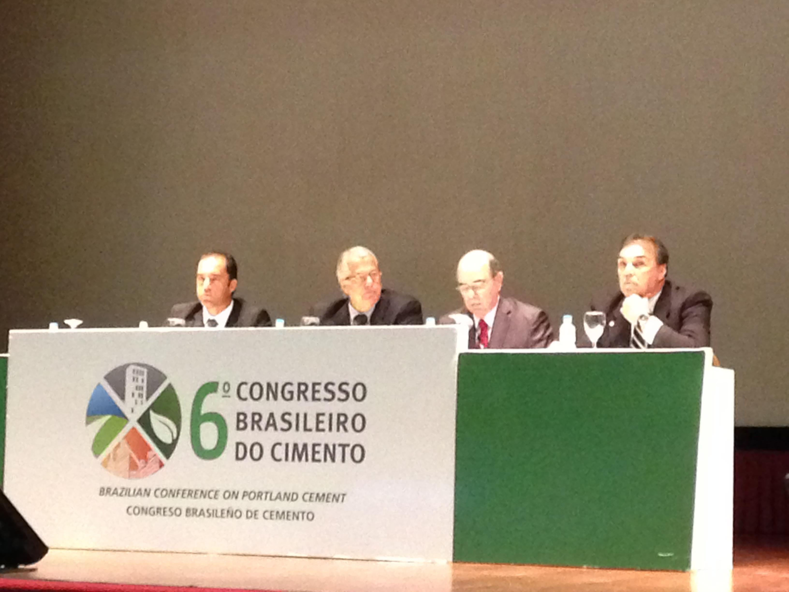 Renato Giusti, da ABCP, e José Otávio Carvalho, do Snic: Brasil é o 4º maior produtor de cimento e precisa sustentar posição