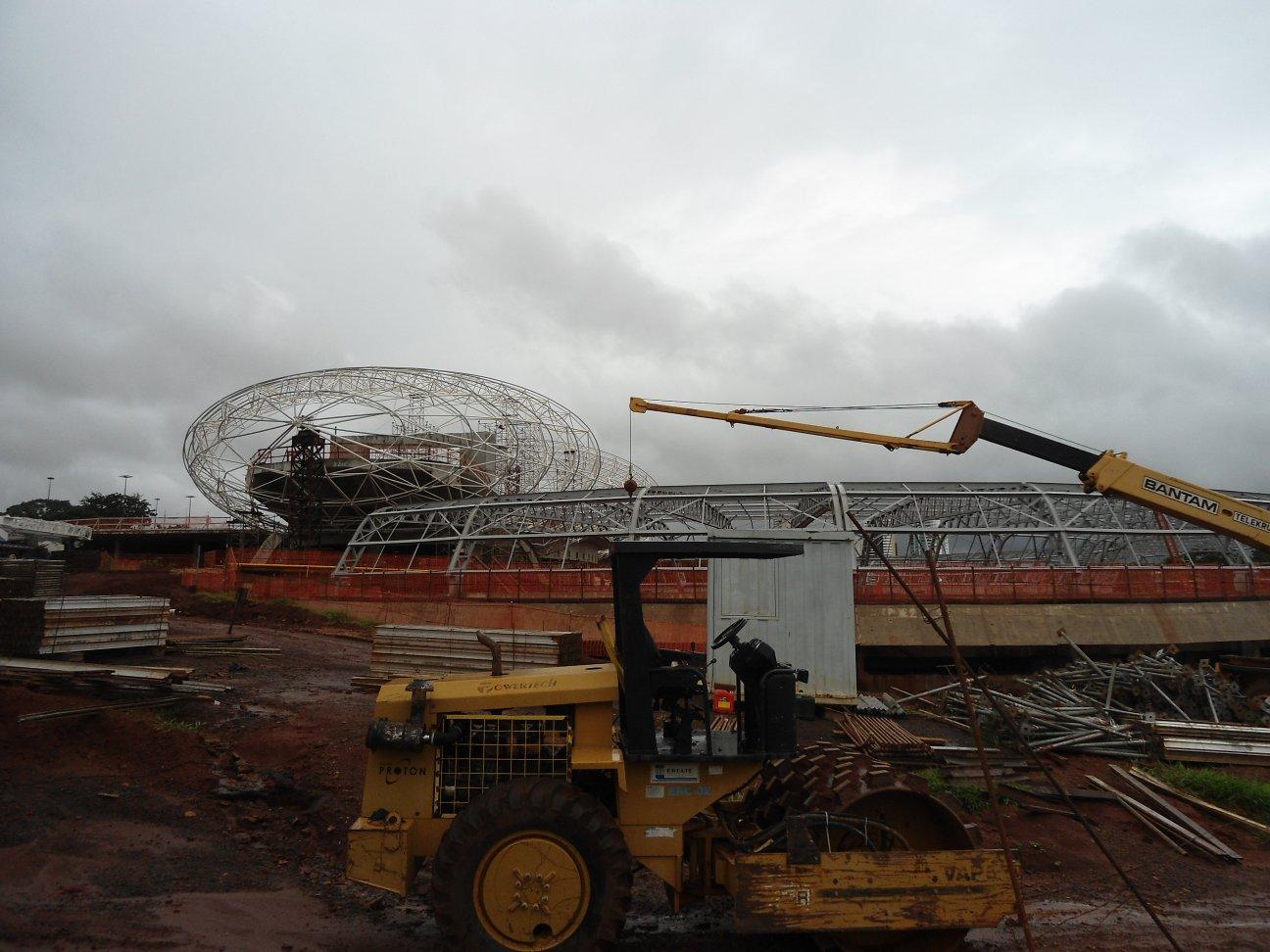 Aquário Pantanal: complexo recebe 15 mil m³ de concreto e Ruy Ohtake visita obra semanalmente