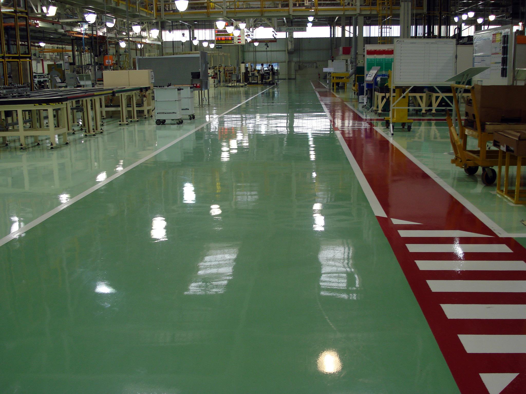 Pisos de alto desempenho: revestimentos cada vez mais sofisticados atendem do chão da fábrica a shopping centers.