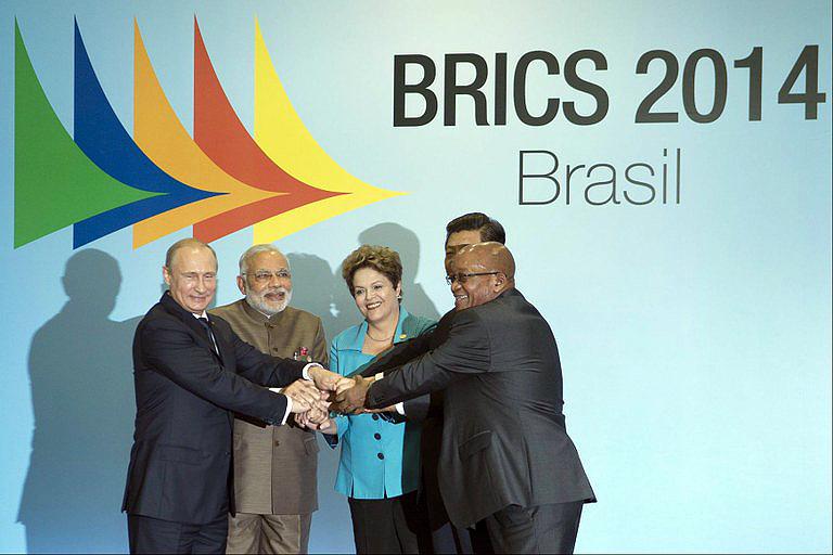 Presidentes do BRICS: novo banco internacional tem aporte de US$ 100 bilhões