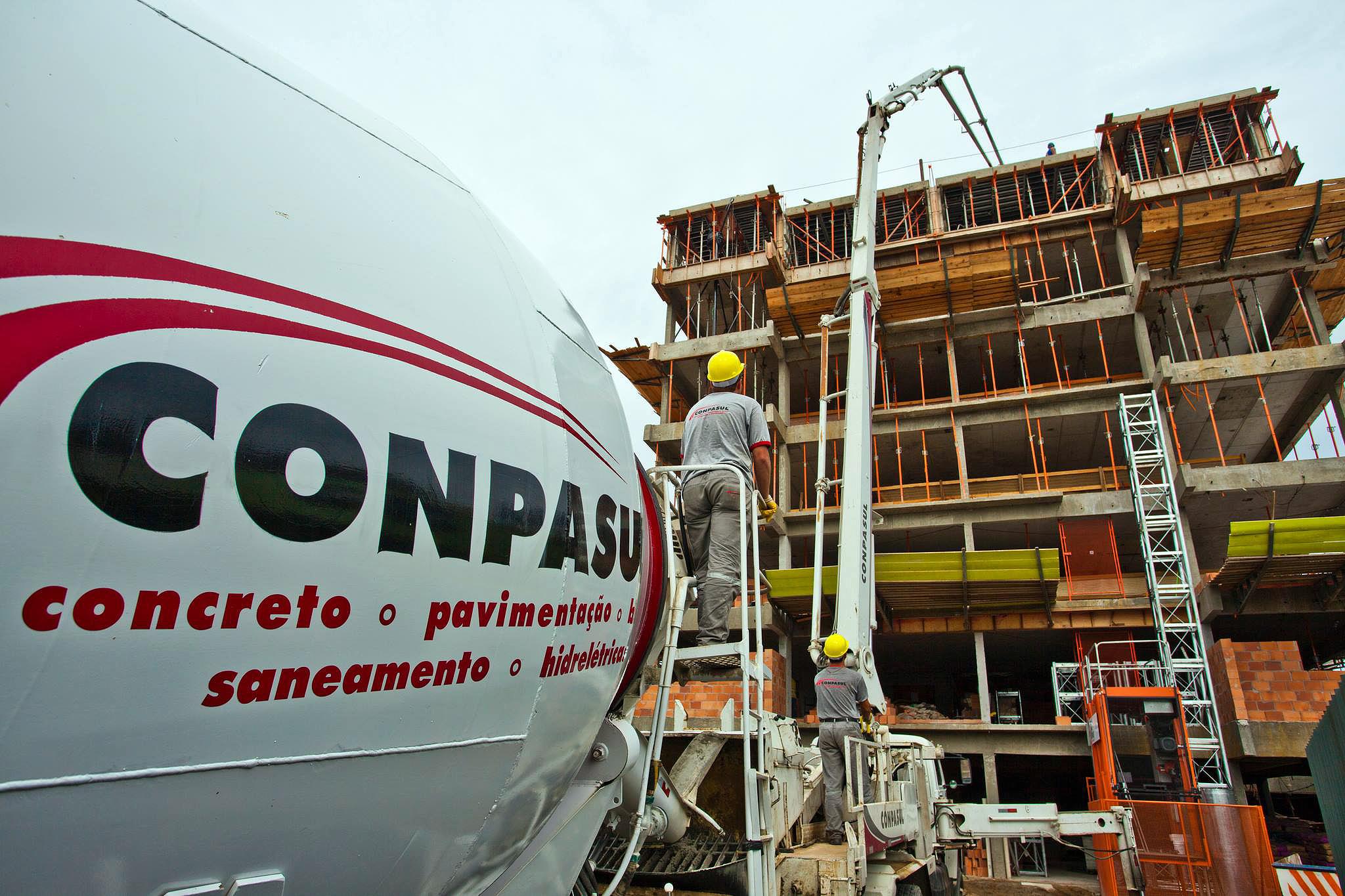 Na Conpasul, a tecnologia está presente também nos equipamentos que entregam o concreto ao cliente