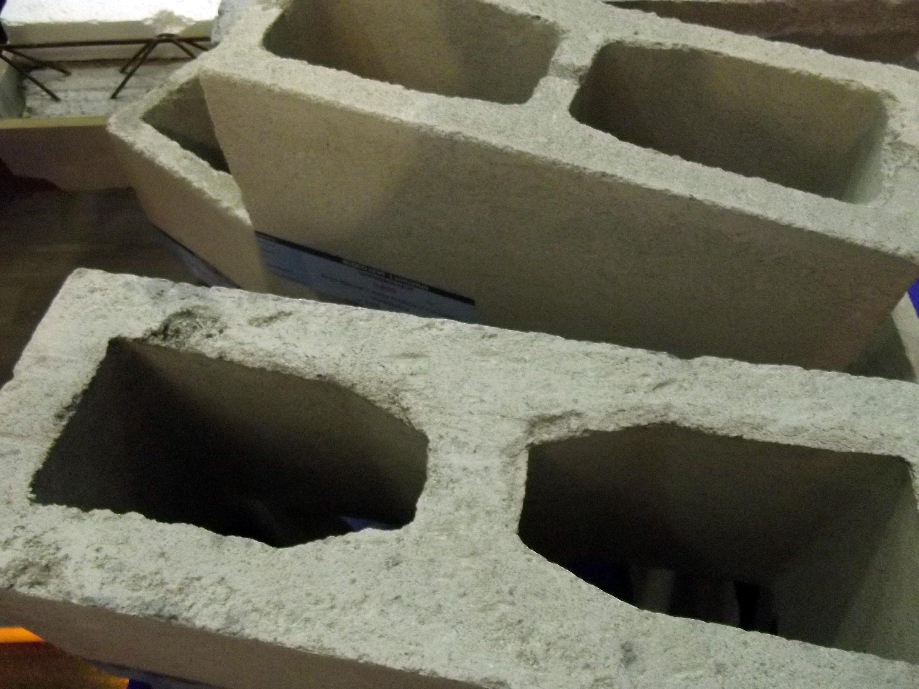 Blocos de concreto: máquinas que economizam água têm a preferência dos fabricantes