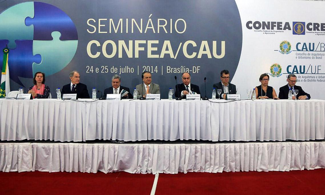 Seminário CONFEA/CAU-BR, ocorrido em julho, em Brasília: preocupação com intervenção