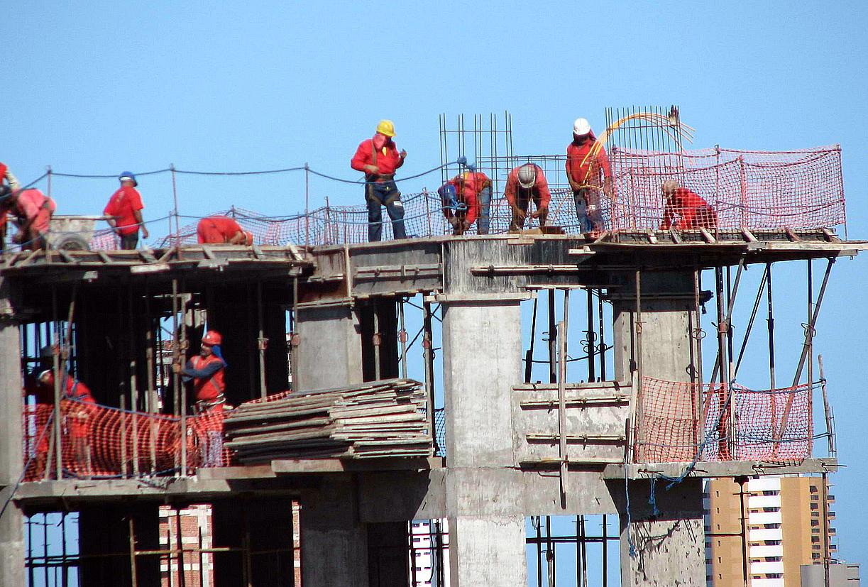 Trabalhadores da construção civil: risco de doenças cardiovasculares