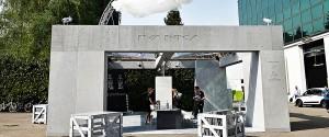 Protótipo da cisterna que capta e trata a água da chuva, apresentado no Salão de design de Milão