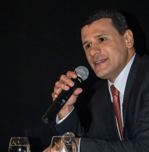 Mário Mendes Júnior: Brasil tem cultura de segregar mundo das ciências