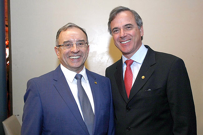 José Romeu Ferraz Neto (dir.), ao lado de José Carlos Martins, presidente do CBIC: SindusCon-SP prevê crescimento zero em 2015