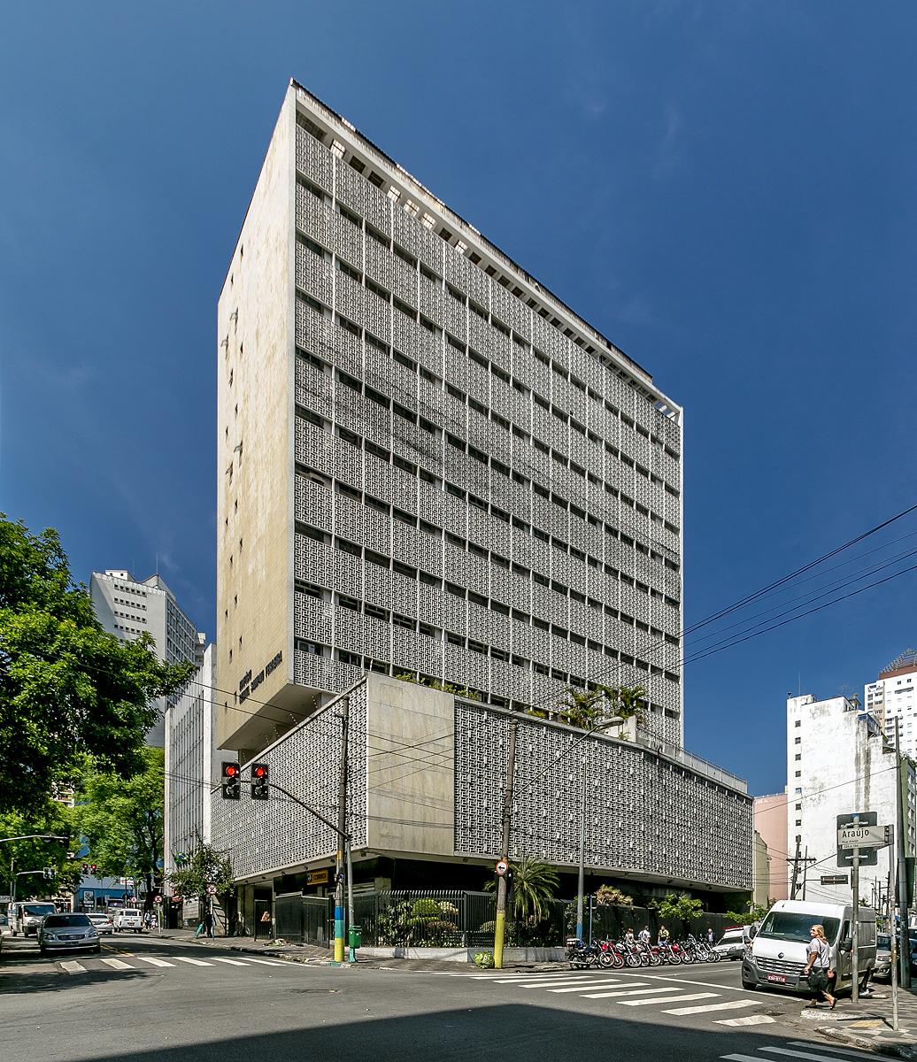 Edifício Renata Sampaio Ferreira: obra de Oswaldo Bratke