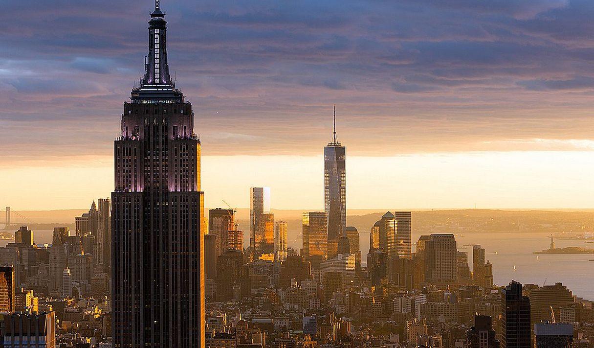 One World Trade Center foi inaugurado em 3 de novembro de 2014, com 541,3 metros de altura