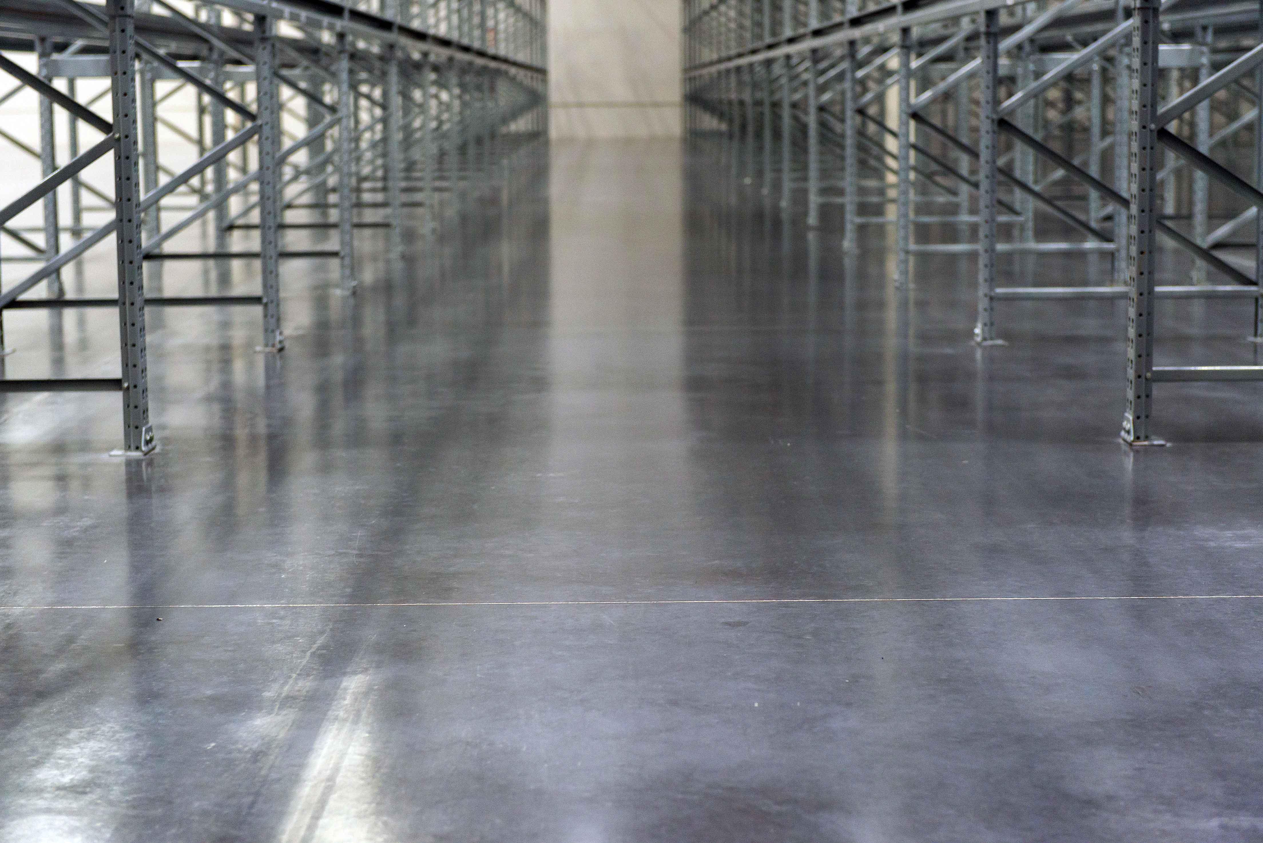 Piso construído no centro de distribuição do Grupo Tramontina, em Garibaldi-RS, bateu recorde mundial de nivelamento