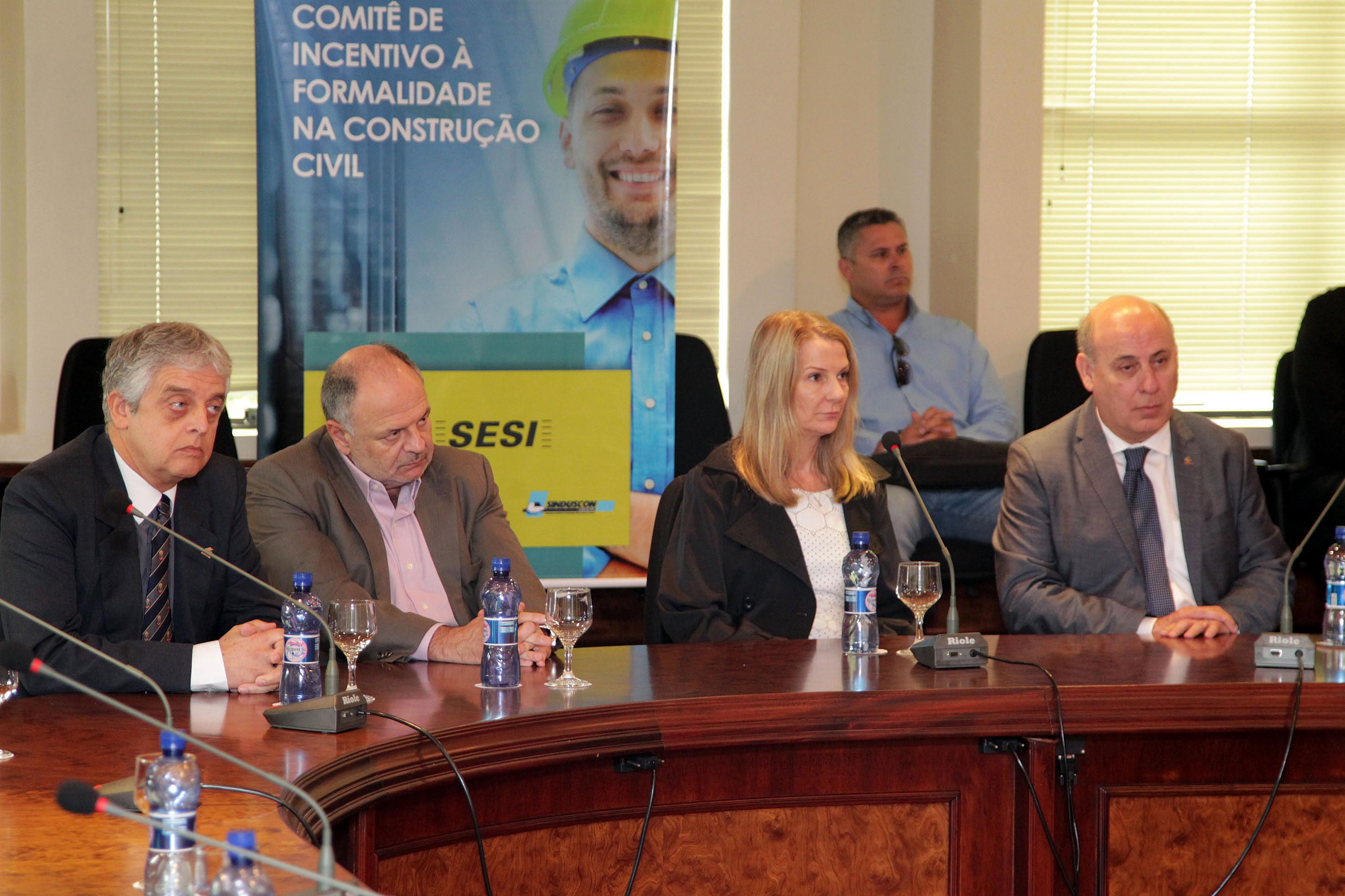 Reunião do Comitê de Incentivo à Formalidade: no Brasil, pode haver 3 milhões de trabalhadores atuando sem registro na construção civil
