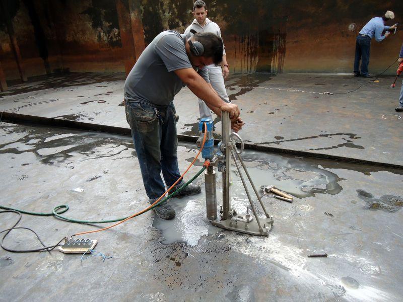 Estação de tratamento de efluentes com problemas de impermeabilização: equipamentos cada vez mais sofisticados auxiliam na detecção de problemas.