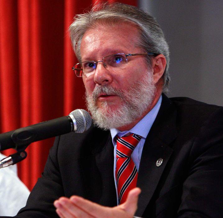 Professor Paulo Helene: o melhor amigo do homem é o concreto.