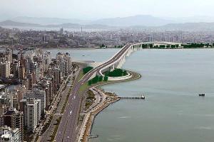 Segunda ponte ligando a ilha de Florianópolis ao continente: plano de ação sustentável pode tirar projeto do papel