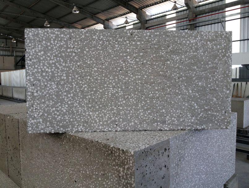 Fabricação dos blocos leva em conta a sustentabilidade ao usar EPS reciclado e água da chuva