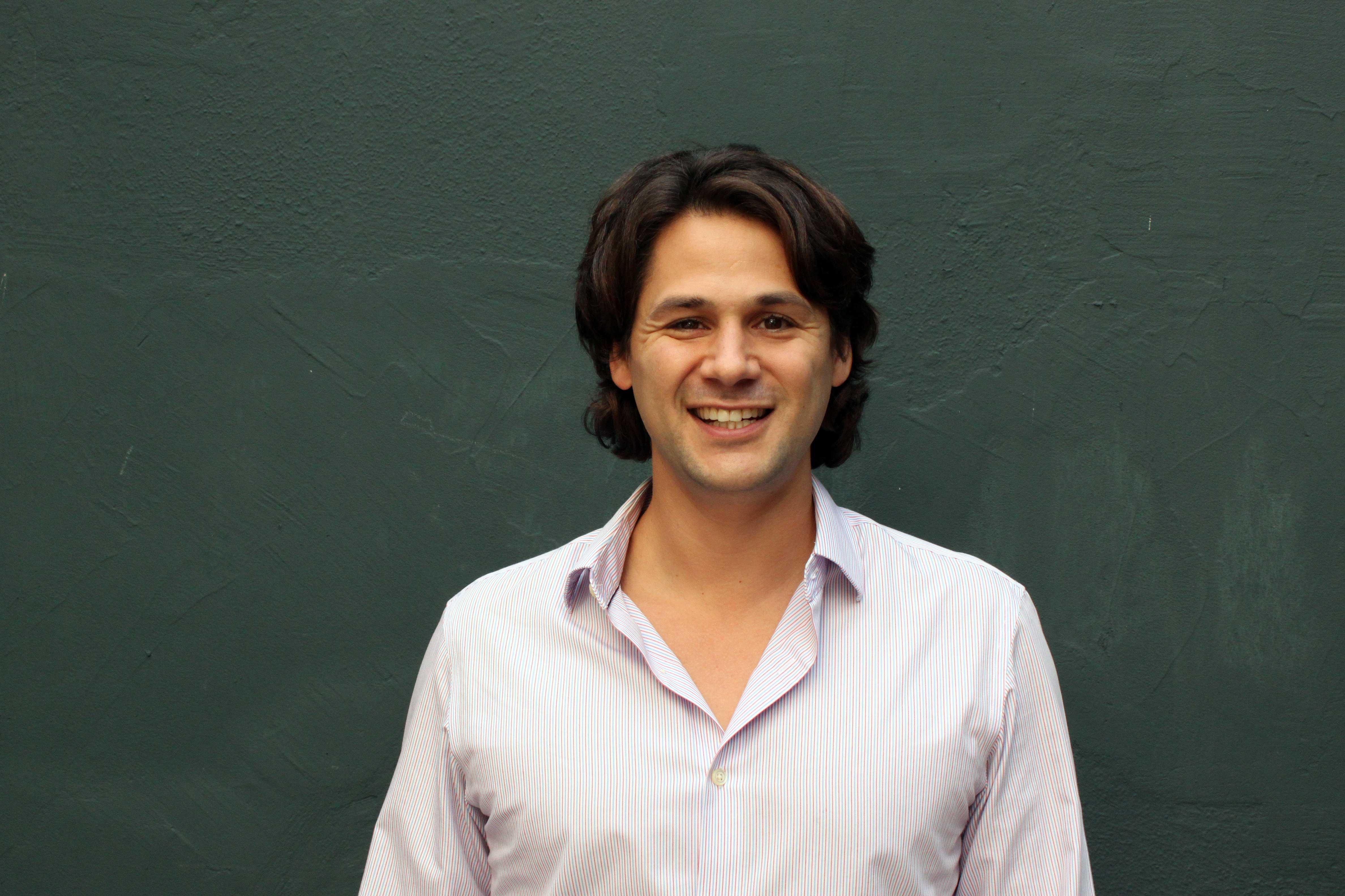Jacob Rosenbloom: funcionário que mora distante do trabalho se atrasa mais e falta mais.
