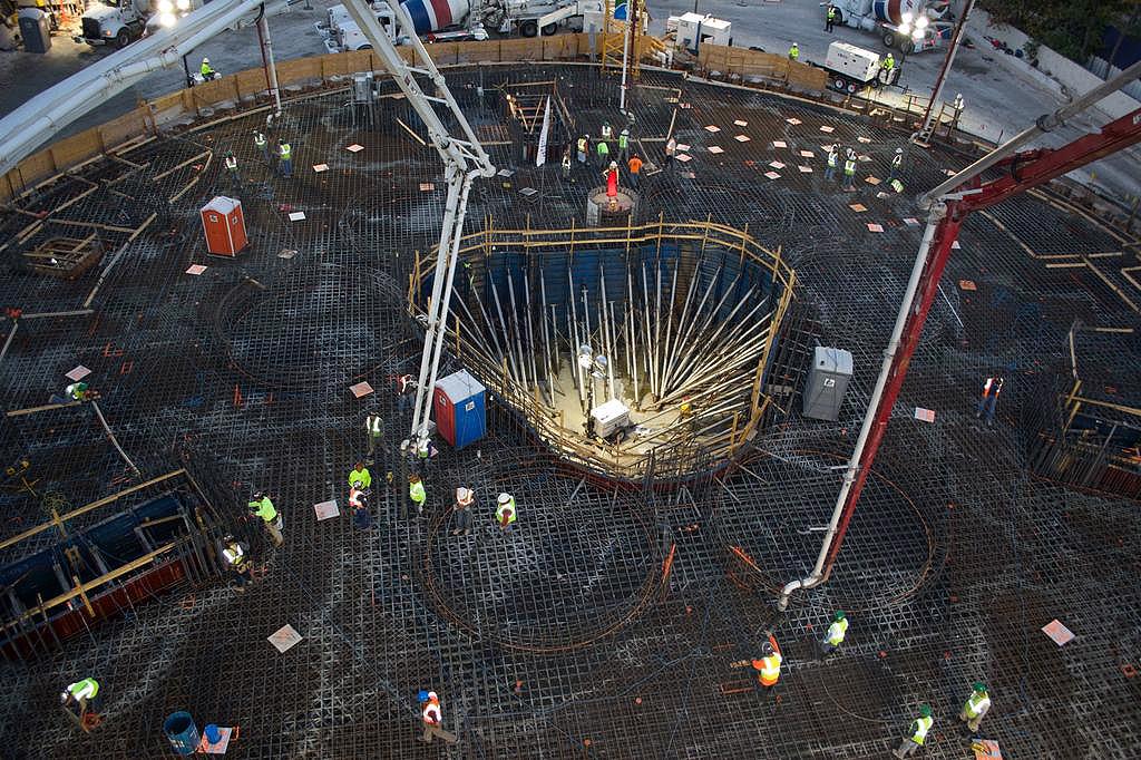 Fase de concretagem da Porsche Tower começou em 2014 e consumirá 12 mil m3 de concreto