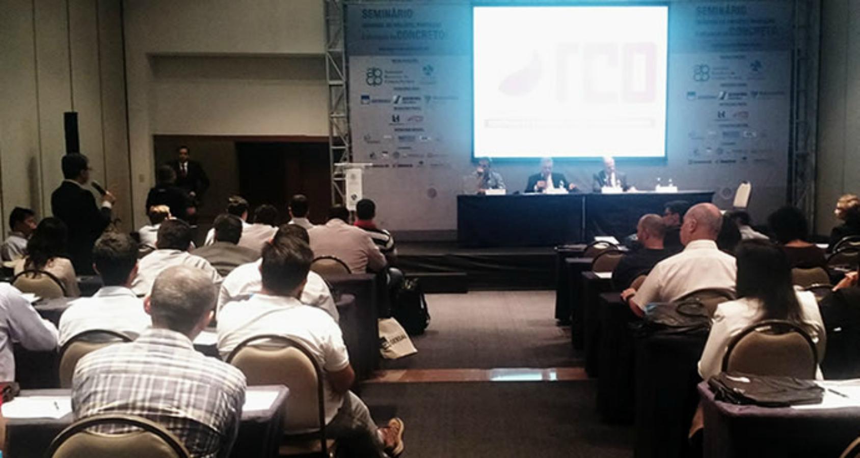 Seminário da ABCP promoveu debates técnicos sobre produtos e sistemas à base de cimento, entre eles os concretos duráveis