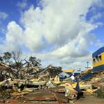 Construção em concreto armado destruída por tornado que atingiu Xanxerê-SC, em abril de 2015