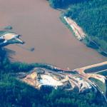 Barragem de terra-enrocamento a montante, igual a que rompeu na região de Mariana-MG