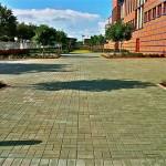 Nova norma recomenda que calçadas sejam construídas com pavers permeáveis