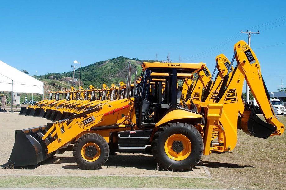 Linha amarela, que lidera o segmento de máquinas, sofreu retração superior a 50% em 2015