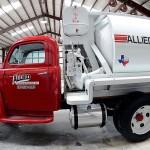 Caminhão-betoneira Ford 1951 restaurado: entre os equipamentos leiloados em 2016