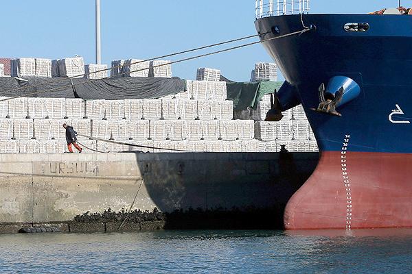 Exportação de cimento: produto tem mercado no exterior, porém burocracia atrapalha