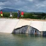 Trecho com avarias: placa de concreto entrou em colapso