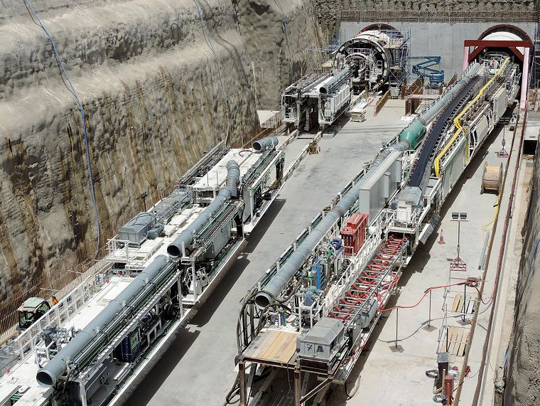 Tunnel Boring Machine (TBM) opera no trecho leste do metrô do Catar