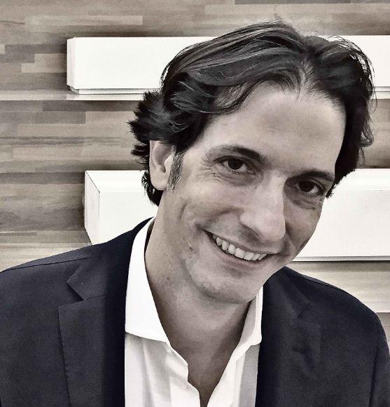 Alberto Serrentino, autor e consultor de mercado